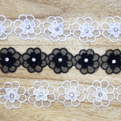 Lace trim with double flower and rhinestone 38mm - 13.7m